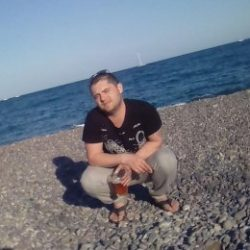 Спортивный парень ищет отличный секс с девушкой в Ижевске