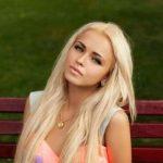 Пышненькая блондиночка, встречусь с мужчиной в Ижевске
