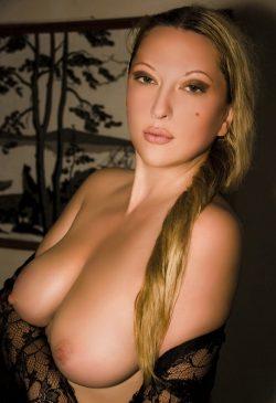 Девушка из Москвы познакомится с мужчиной для интимных встреч